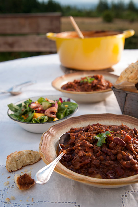 chili served with aged chedder cheese dill scones