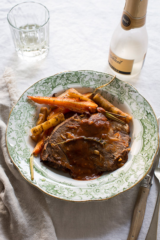 Braised Cross Rib Roast with Gobo Roots