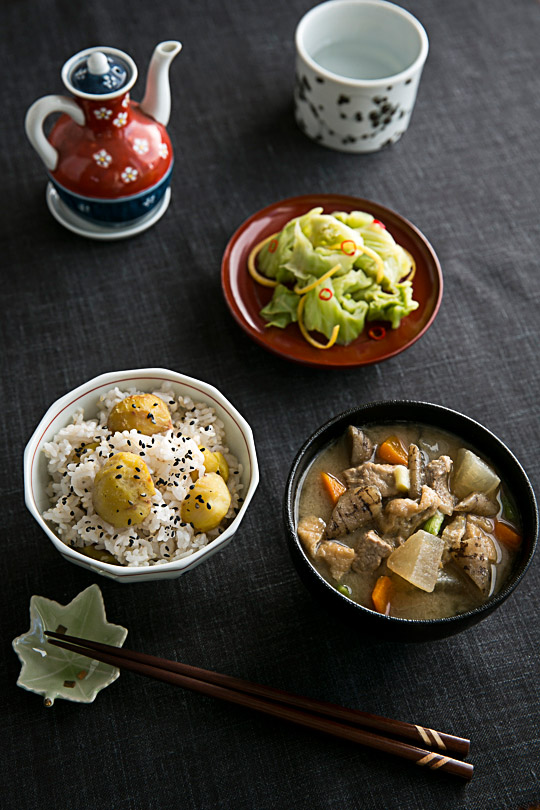kuri gohan, tonjiru and ohitashi with cabbage