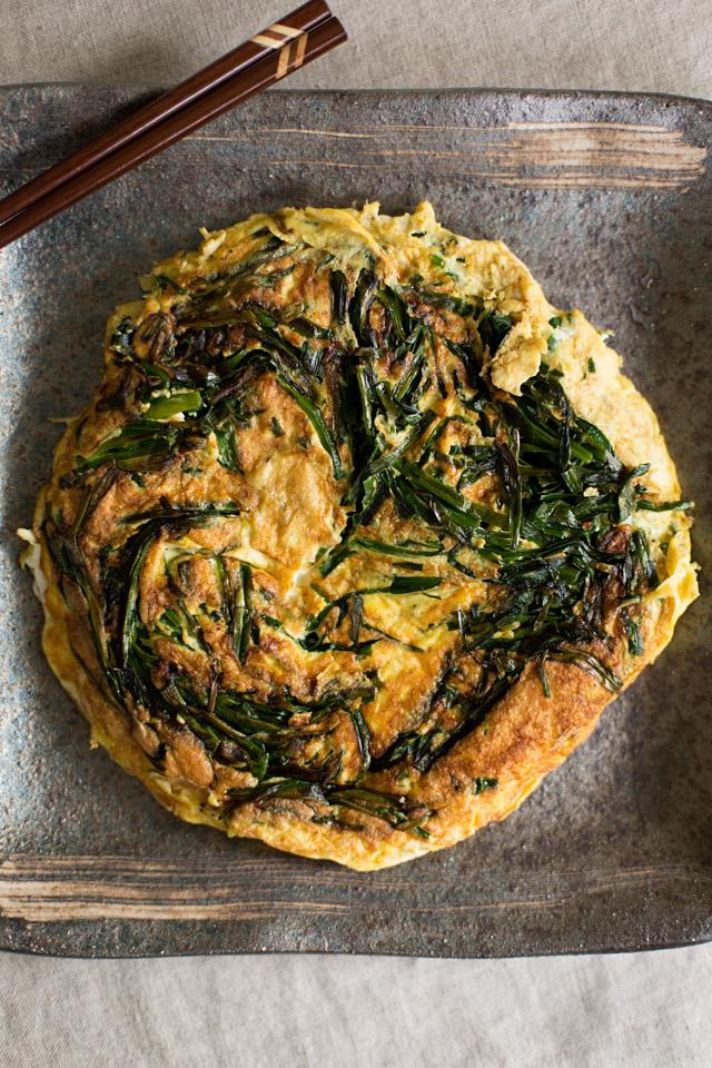 Nira-Tama (Garlic Chive Omelette) | Gobo Root