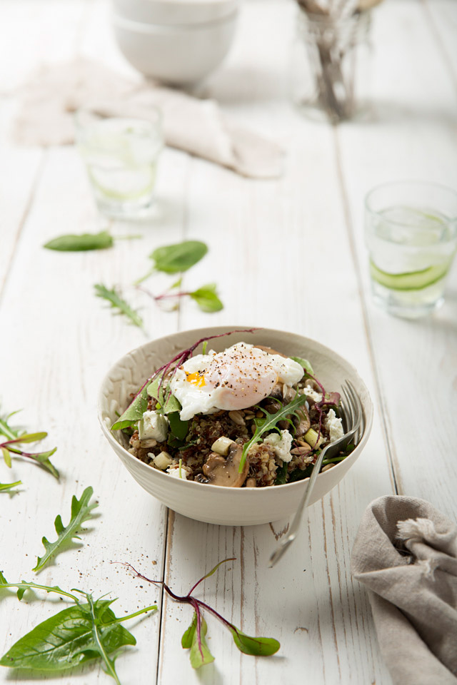 quinoa_poached_egg_salad